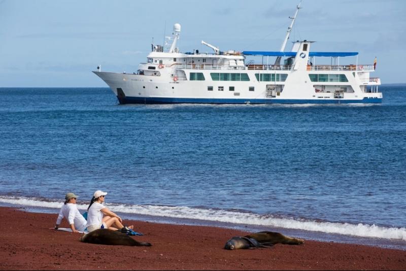 Galapagos Cruises Isabella II
